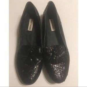 4/$25 STEVE MADDEN Black Flat Shoes Size 10